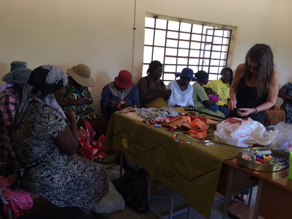Local women deeply engrossed in their arpillera workshop at the Enyandeni Peace Centre,Bulawayo Province, Zimbabwe, facilitated by Roberta Bacic on 28th January, 2016. (Photo: Shari Eppel)