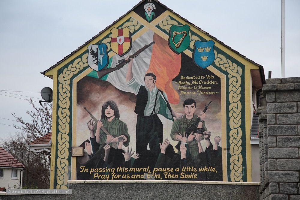wall mural wallpaper