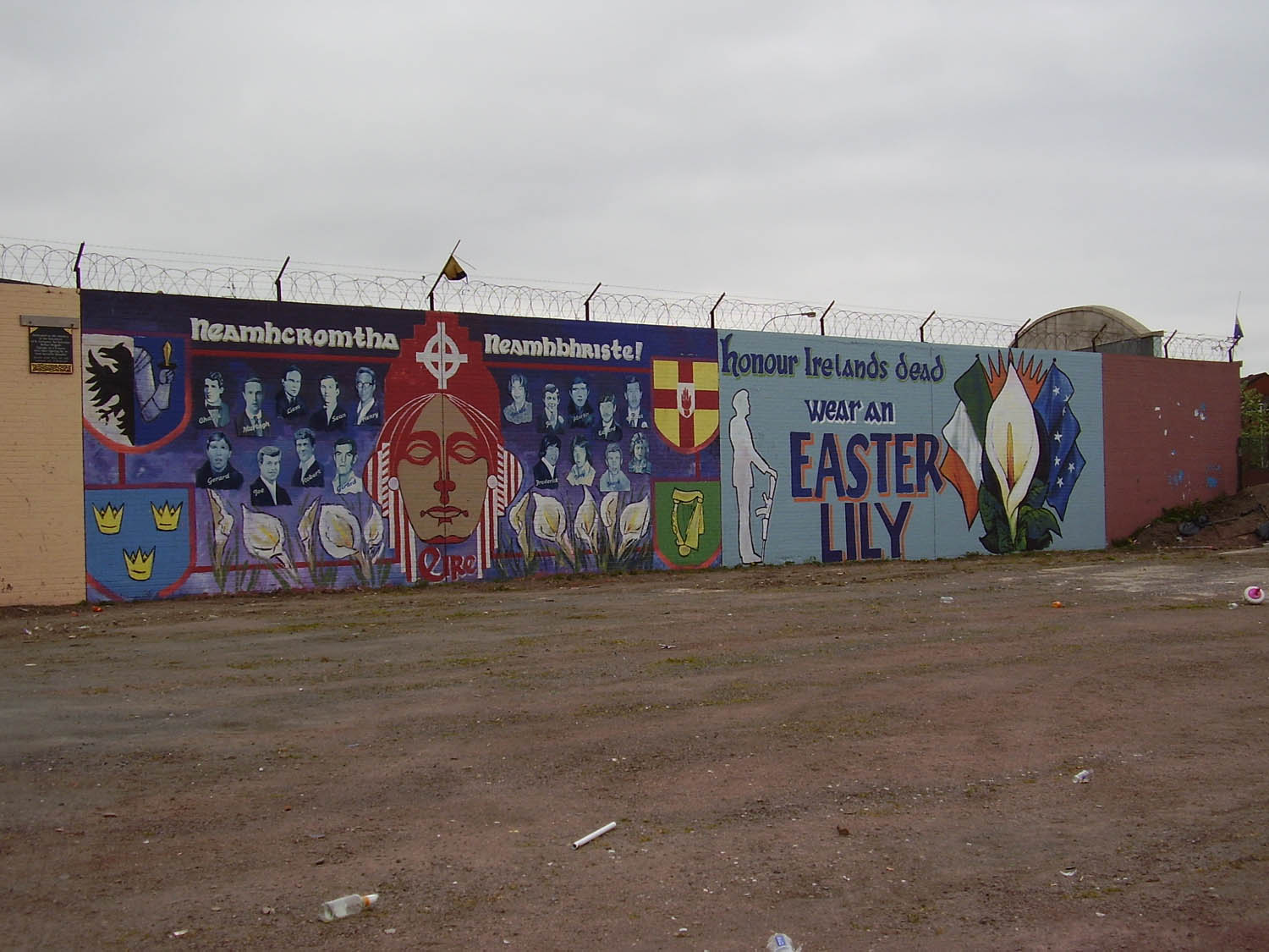 http://cain.ulst.ac.uk/viggiani/images/MURALS/Belfast/Republicans/Eire+Easter%20Lily%20-%20Mountpottinger%20Road,%202006.JPG